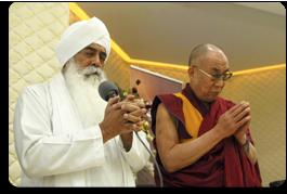 Bhai Sahib Dr Mohinder Singh and Dalai Lama, praying