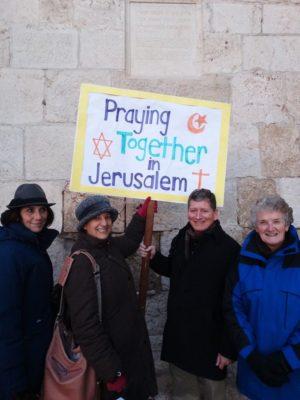 praying-together-3